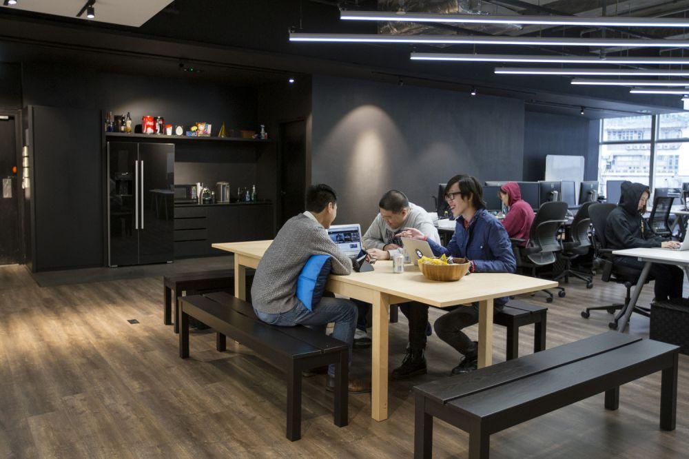 9SHEDS terdiri dari beberapa ruangan tertutup yang digunakan untuk keperluan meeting dan sebagainya - 4