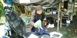 Nenek Penjual Bensin di Bantul