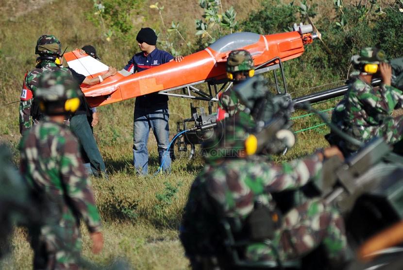 Uji Tembak Meriam Giant Bow Target UAV - Republika Online (ROL)