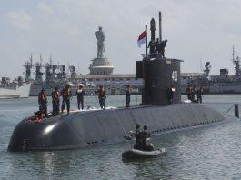 Kapal Selam KRI Nagapasa 403 Tiba di Kormatim, Surabaya - (Antara Foto - Zabur Karuru)