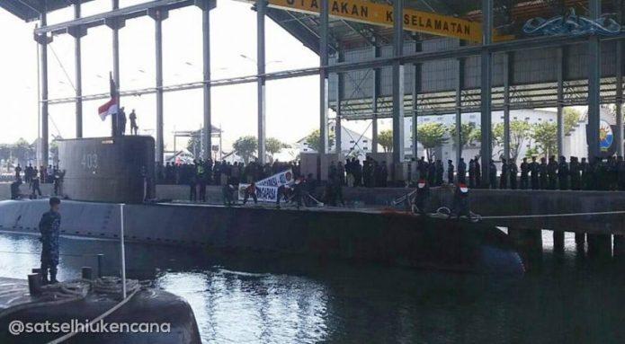 Kapal Selam KRI Nagapasa tiba di Koarmatim, Surabaya, Jawa Timur, 28-8-2017 (Korps Hiu Kencana - @satselhiukencana)
