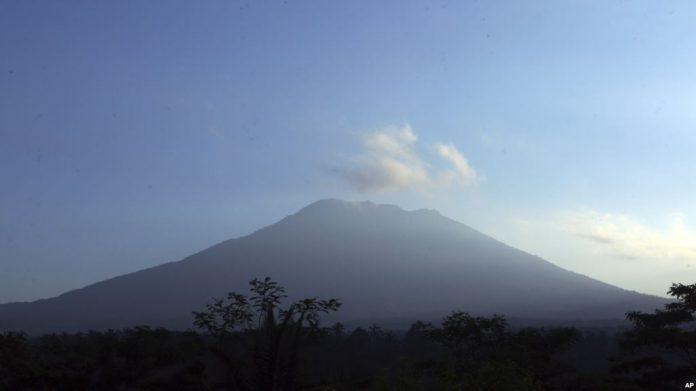 Sudah 4 Kali Gunung Agung Meletus dalam 200 Tahun Terakhir - (Src: VOA Indonesia)
