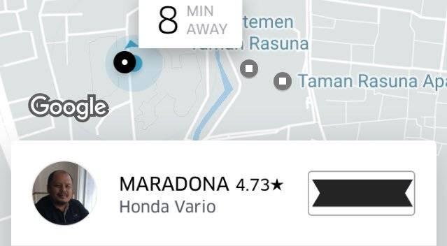 Kapan lagi bisa dianter sama Maradona! Sekalian Minta Selfie Bareng Gaes Hihihi