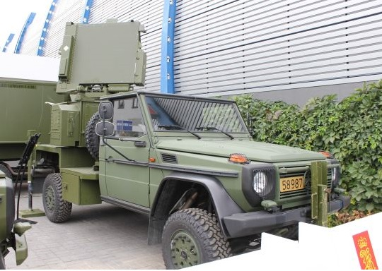 Radar mobile Nasams II dengan platform jip Mercedes Benz 4x4 (photo Army Recognition)