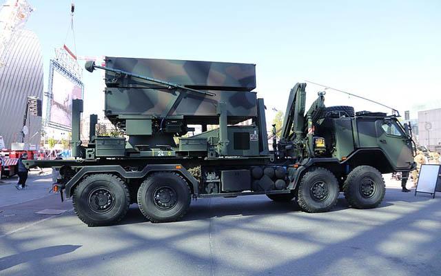 Sistem Hanud NASAMS II berbasis truk 8×8 Sisu E13TP Angkatan Bersenjata Finlandia. © MKFI via Wikimedia Commons