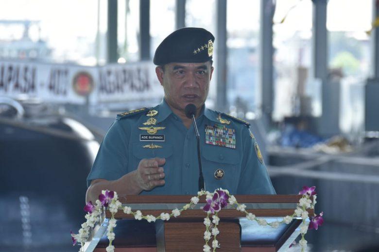 Kasal Laksamana TNI Ade Supandi dalam Upacara Penyambutan Kapal Selam Ardadedali 404 di Surabaya - Dispen TNI