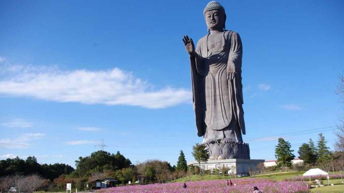 Ushiku Daibutsu di Jepang - MalangTodayDOTnet