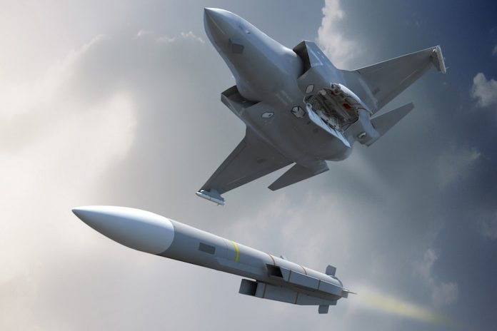 KF-X dengan Rudal Meteor dan IRIS-T (defensenewsDOTcom)