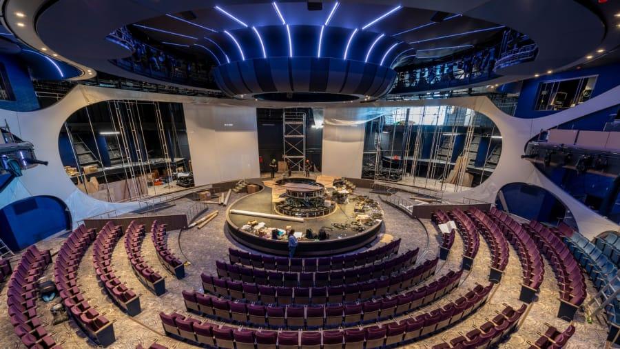 Ruang Pertunjukan Yang Berada di Dalam Kapal Pesiar Celebrity Edge - Courtesy Celebrity Cruises Via CnnDotCom