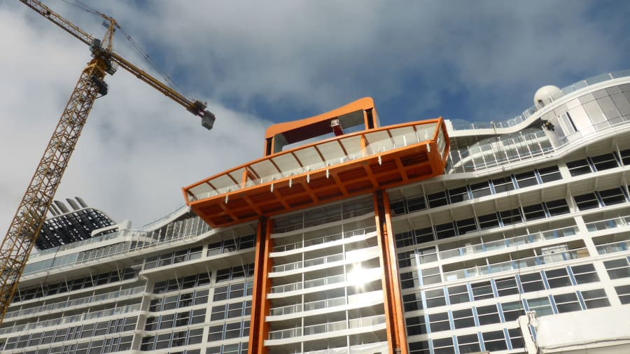 Tempat Magic, Salah satu fitur menonjol adalah yang disebut Karpet Ajaib. - Courtesy Celebrity Cruises Via CnnDOTcom
