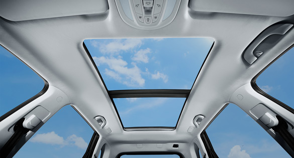 Extensive Panoramic Sunroof Wuling Almaz - Wuling.id