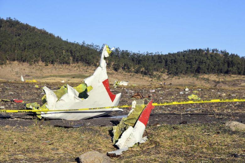 Bangkai Pesawat Ethiopian Airlines yang Jatuh - The Strait Times