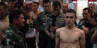 Enzo Zenz Allie Bersama Panglima TNI Hadi Tjahjanto