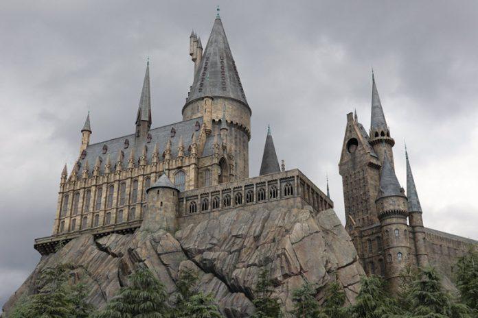 Universal Studios Japan Ditutup Dampak Corona - Image Source DimasBagus.web.id
